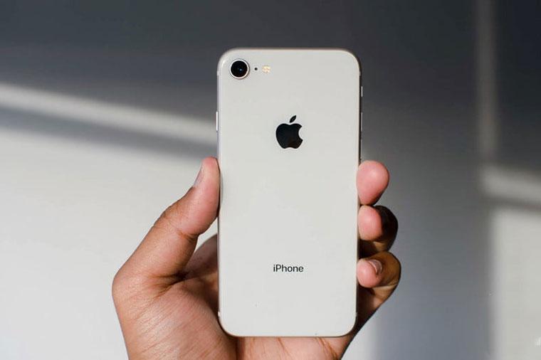 Tele2 запускает безлимитный интернет специально для iPhone 8 и X