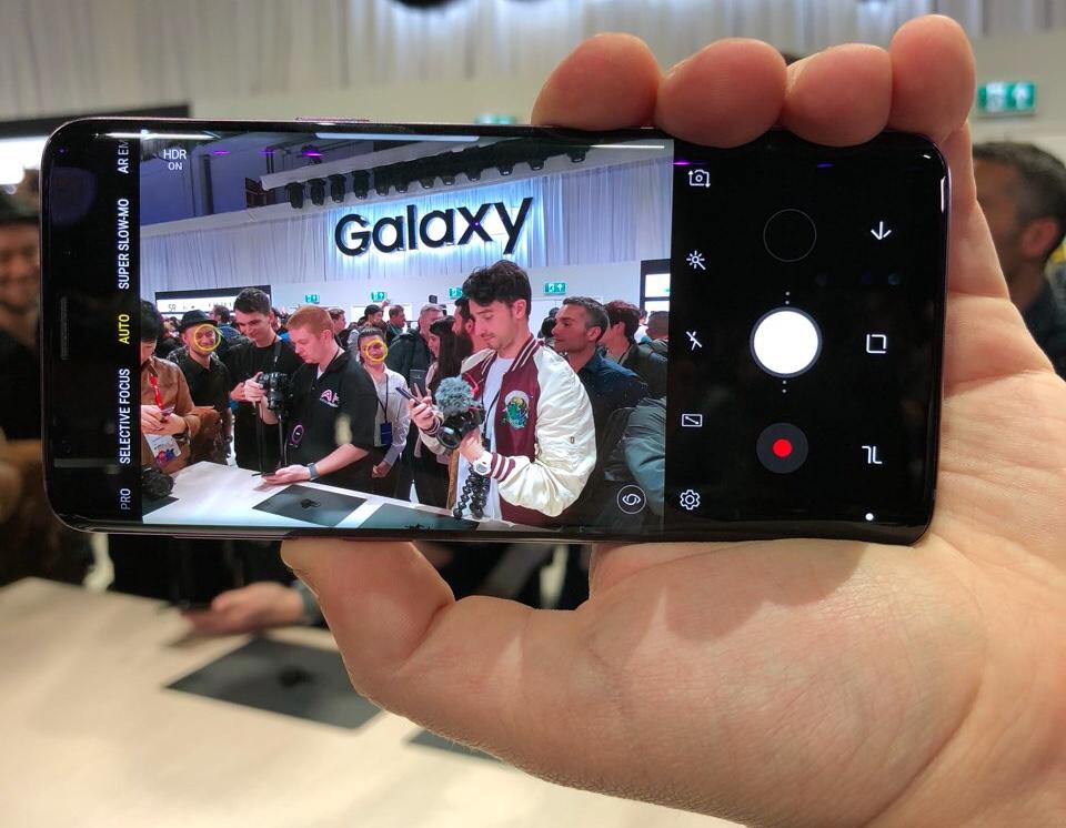 Впечатления от Samsung Galaxy S9. Держим в руках