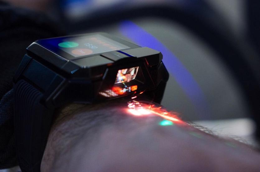 Смарт-часы Haier Asu могут проецировать изображение на руку