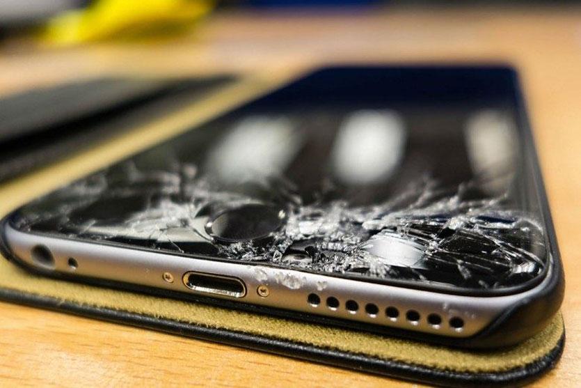 Найдена причина сбоев iPhone после ремонта