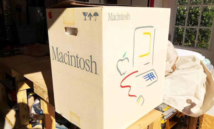 Распаковка Macintosh 1984 года. Много фото