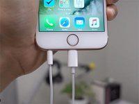 Можно ли подключить к iPhone Lightning- и обычные наушники одновременно