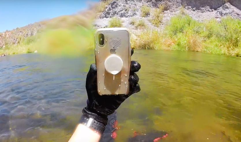 iPhone X пролежал на дне реки 2 недели и выжил