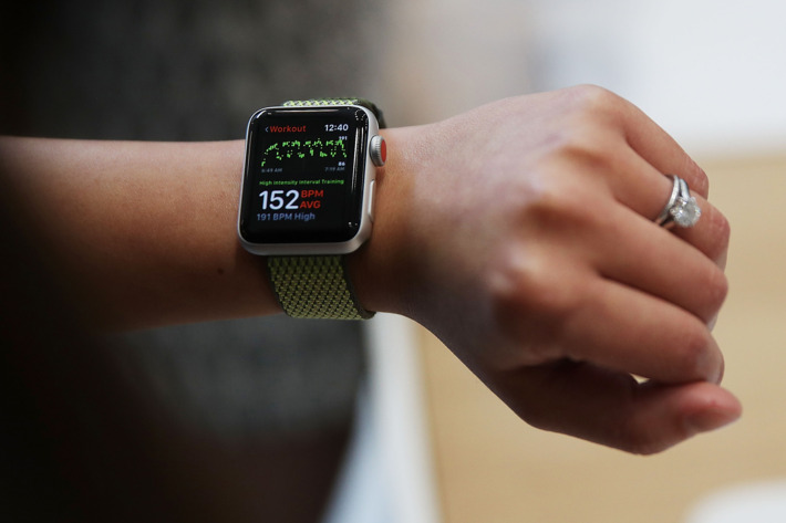 Apple выпустила watchOS 4.3.2, tvOS 11.4.1 и прошивку для HomePod. Что нового?