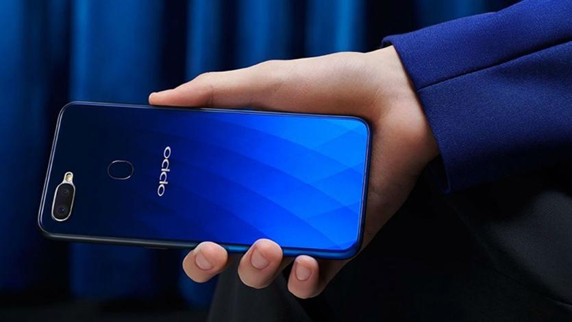 Новый смартфон OPPO получил крутую селфи-камеру