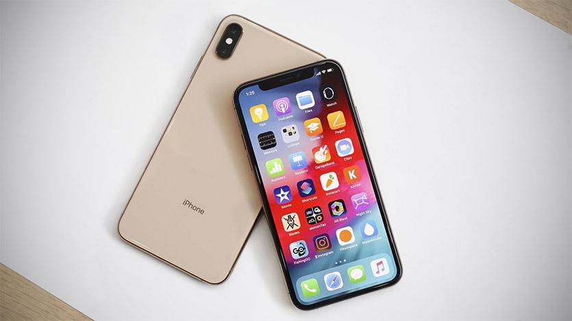 Цена iPhone Xs в России повергает в шок