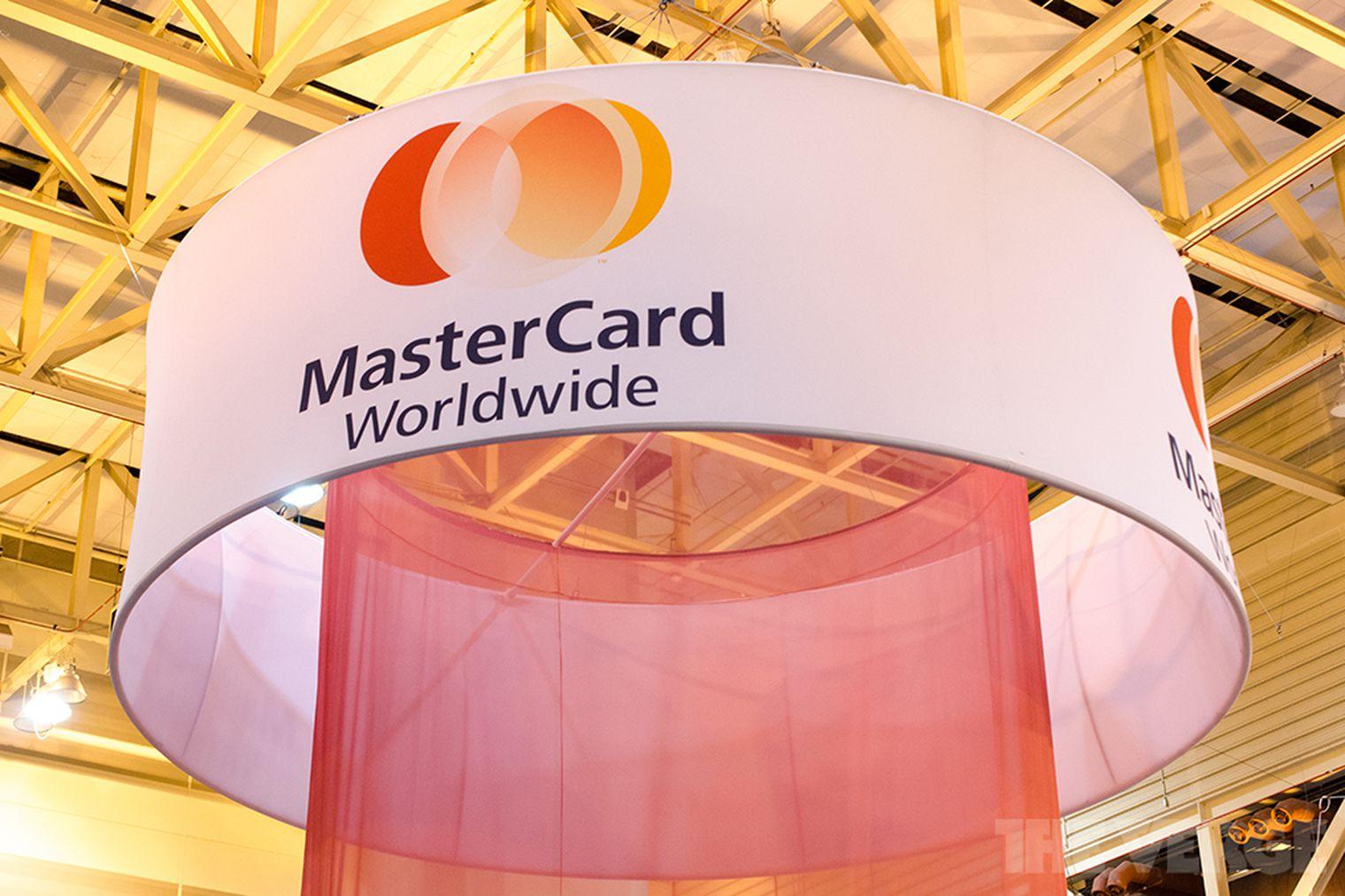 MasterCard опровергла информацию о запрете автоподписок приложений