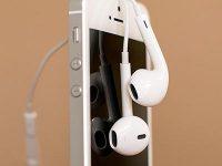 Что делать, если у iPhone не играет динамик после наушников