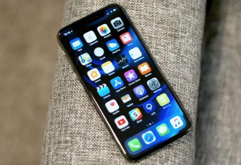 Apple запретила установку iOS 12.1.1 и iOS 12.1.2