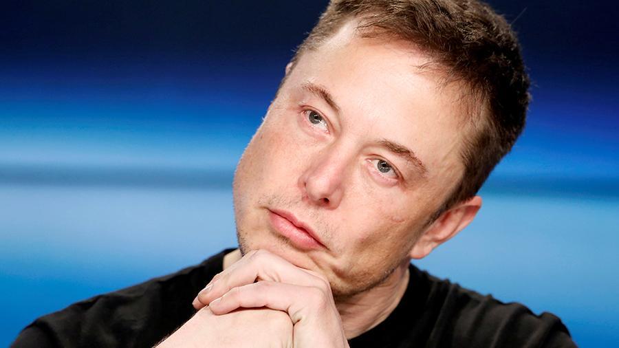 Илон Маск пишет в Твиттере дичь по-русски