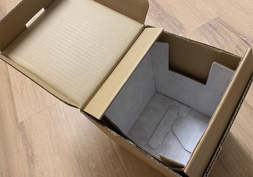 Apple выплатила мошеннику $1 млн за пустые коробки от айфонов