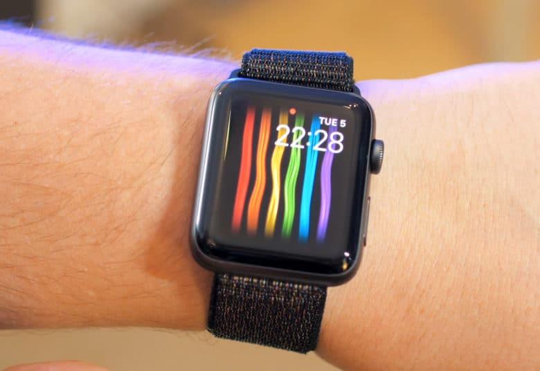 Apple обновила радужный циферблат в watchOS 5.2.1