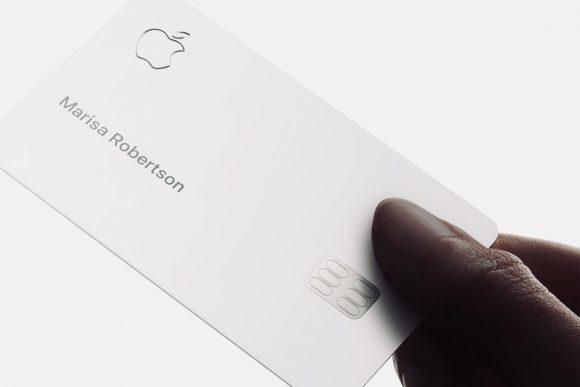 Появились реальные фотографии Apple Card