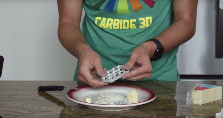 Новым Mac Pro уже попробовали натереть сыр