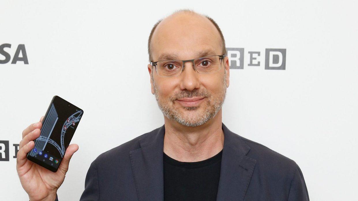 Создатель Android Энди Рубин содержал несколько любовниц и годами обманывал жену