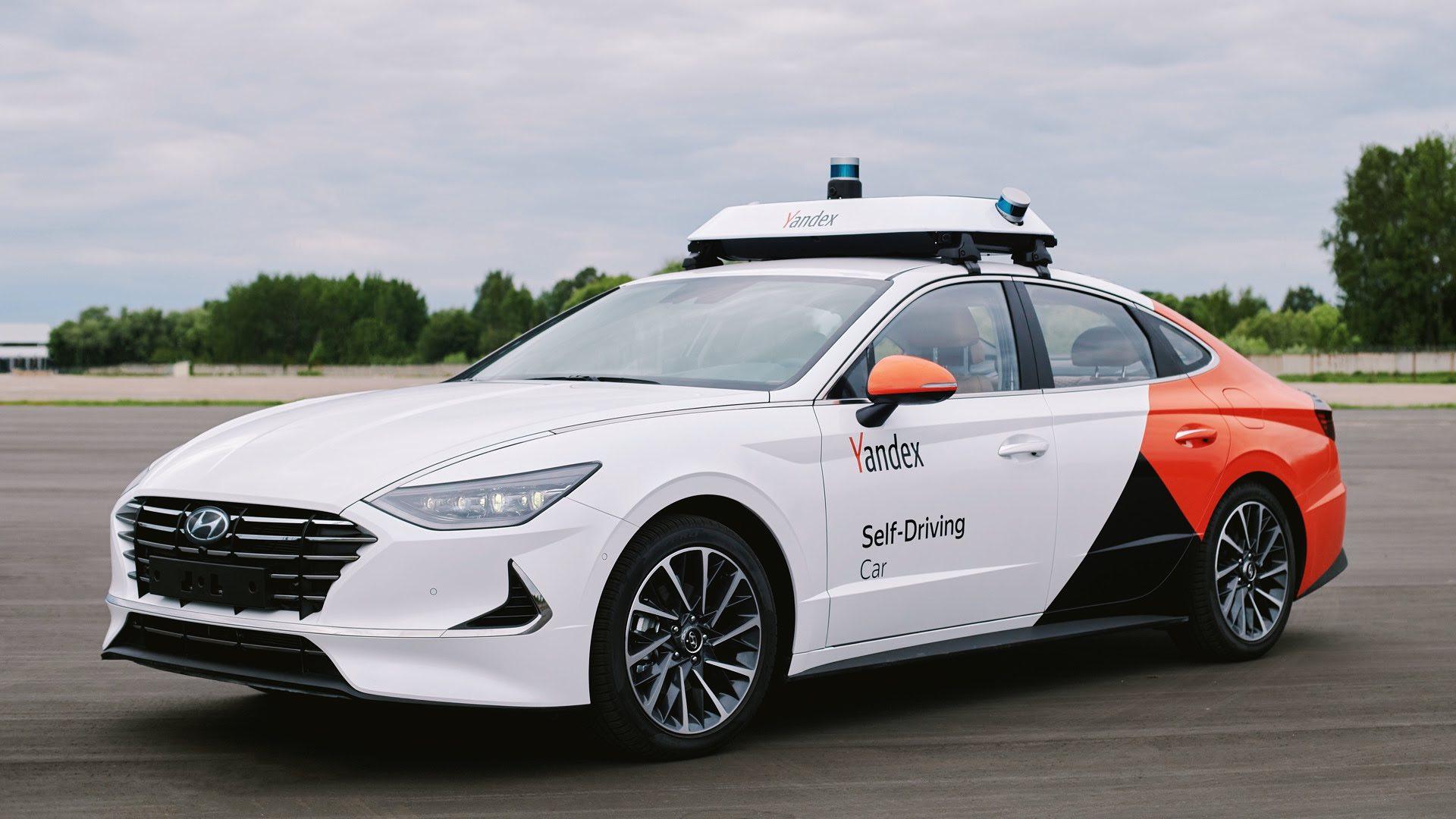Это беспилотная Hyundai Sonata от Яндекса. Скоро в Москве