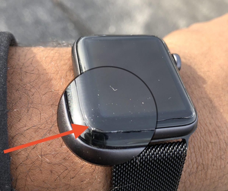 Apple бесплатно заменит треснувшие экраны Apple Watch Series 2 и Series 3