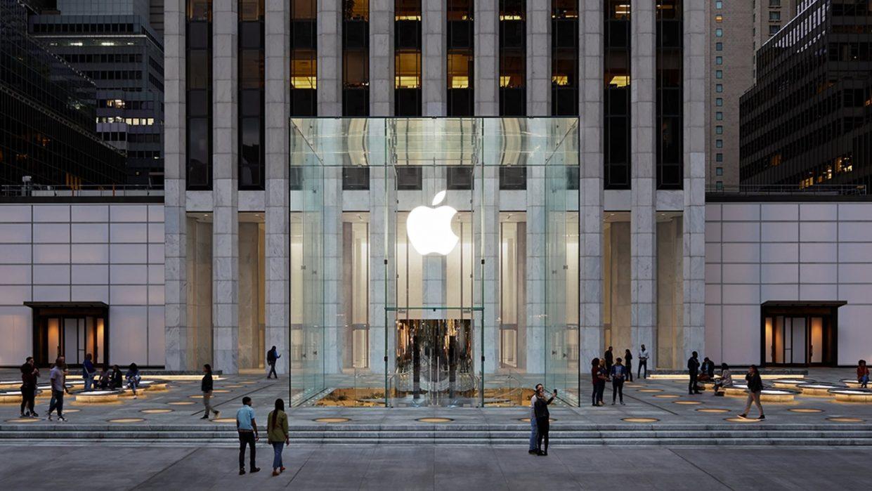 Куб вернулся. Как выглядит новый Apple Store на Пятой Авеню
