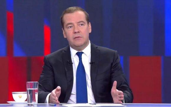 Медведев о YouTube: ничего никто закрывать не собирается