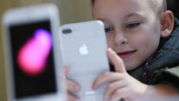 Ребёнок хотел в подарок на 23 февраля накрутку в Инстаграме и деньги в играх