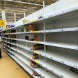 Россияне поддались панике. Скупают продукты и технику из-за коронавируса