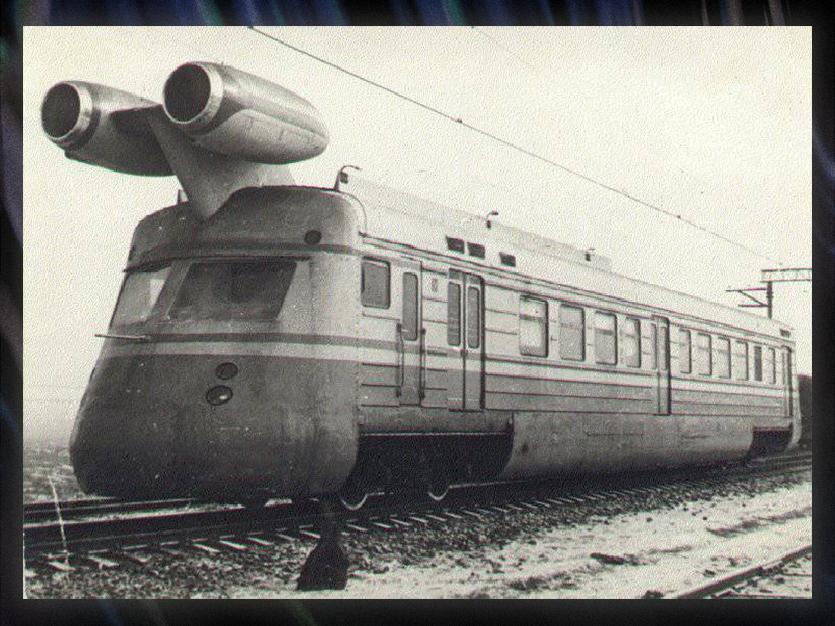 Как в СССР сделали поезд с реактивным двигателем. Он настоящий