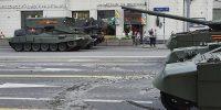 Легендарные Т-34 сломали асфальт на Тверской по ходу репетиции
