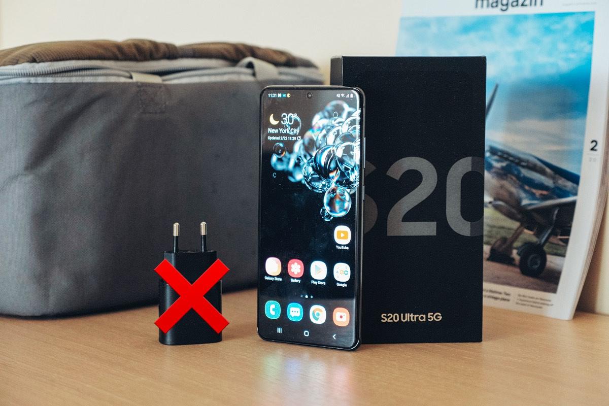 Samsung вслед за Apple не будет класть зарядку в комплект смартфонов