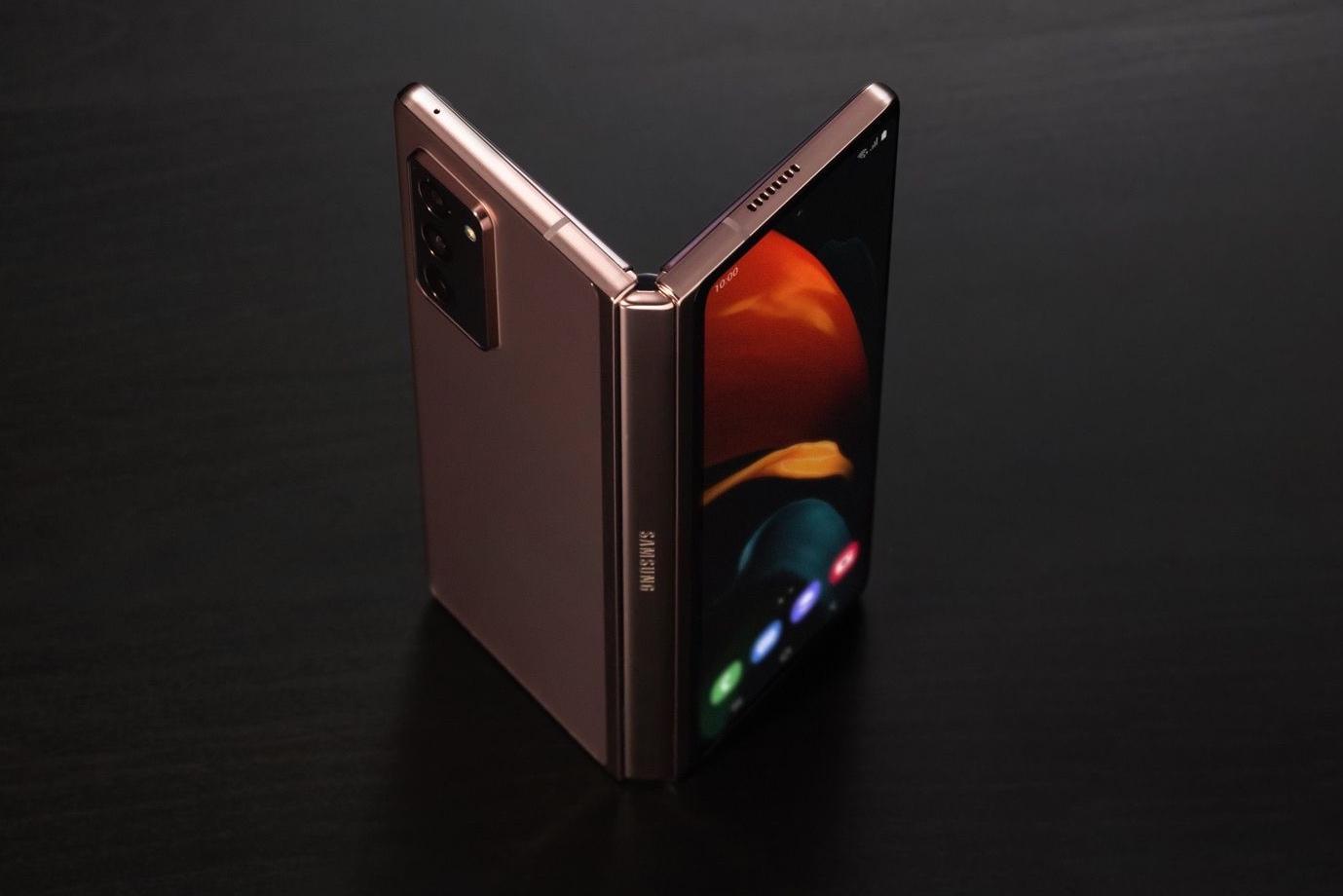 Samsung Galaxy Z Fold2 поступит в продажу 18 сентября. Характеристики, цена