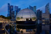 Первый Apple Store на воде откроется в четверг в Сингапуре. Как он выглядит