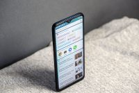 Обзор смартфона TECNO Pouvoir 4. Крутой дисплей, стереозвук, снимает селфи в темноте и работает 3 дня