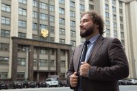 Депутат Горелкин из Госдумы выстроил процесс работы с Apple (по его словам)