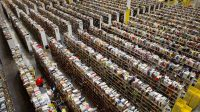 Сотрудников Amazon арестовали за кражу айфонов на $592 тысячи