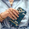 10 чехлов для iPhone, которые не стыдно подарить на Новый год (себе)