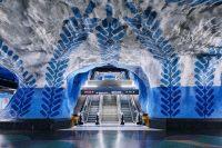 Фотограф пробрался в опустевшее метро Стокгольма и остолбенел. Кадры заворожили!
