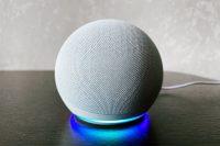 Я купил редчайшую в России колонку Amazon Echo Dot 4. Как она играет у нас?