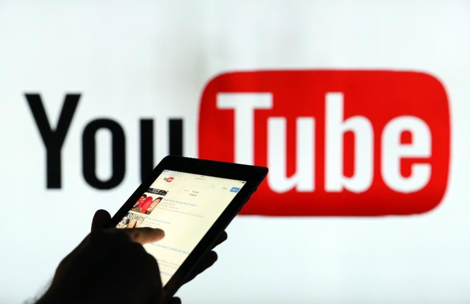 Роскомнадзор может замедлить YouTube и Instagram вслед за Твиттером в России