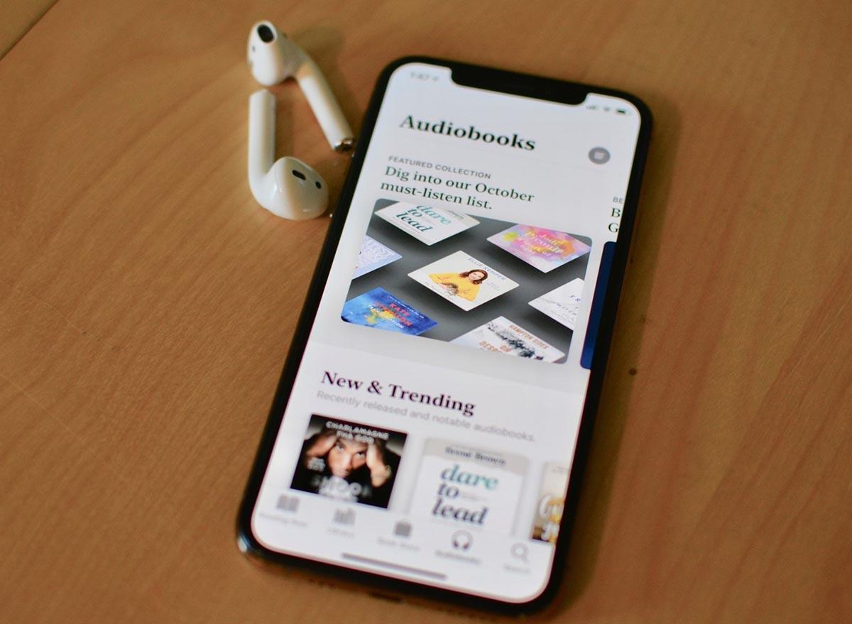 Как скачать аудиокнигу на iPhone для прослушивания без интернета
