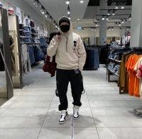 Прошёл по магазинам и собрал три варианта, во что одеться. Деловой, на каждый день и спорт