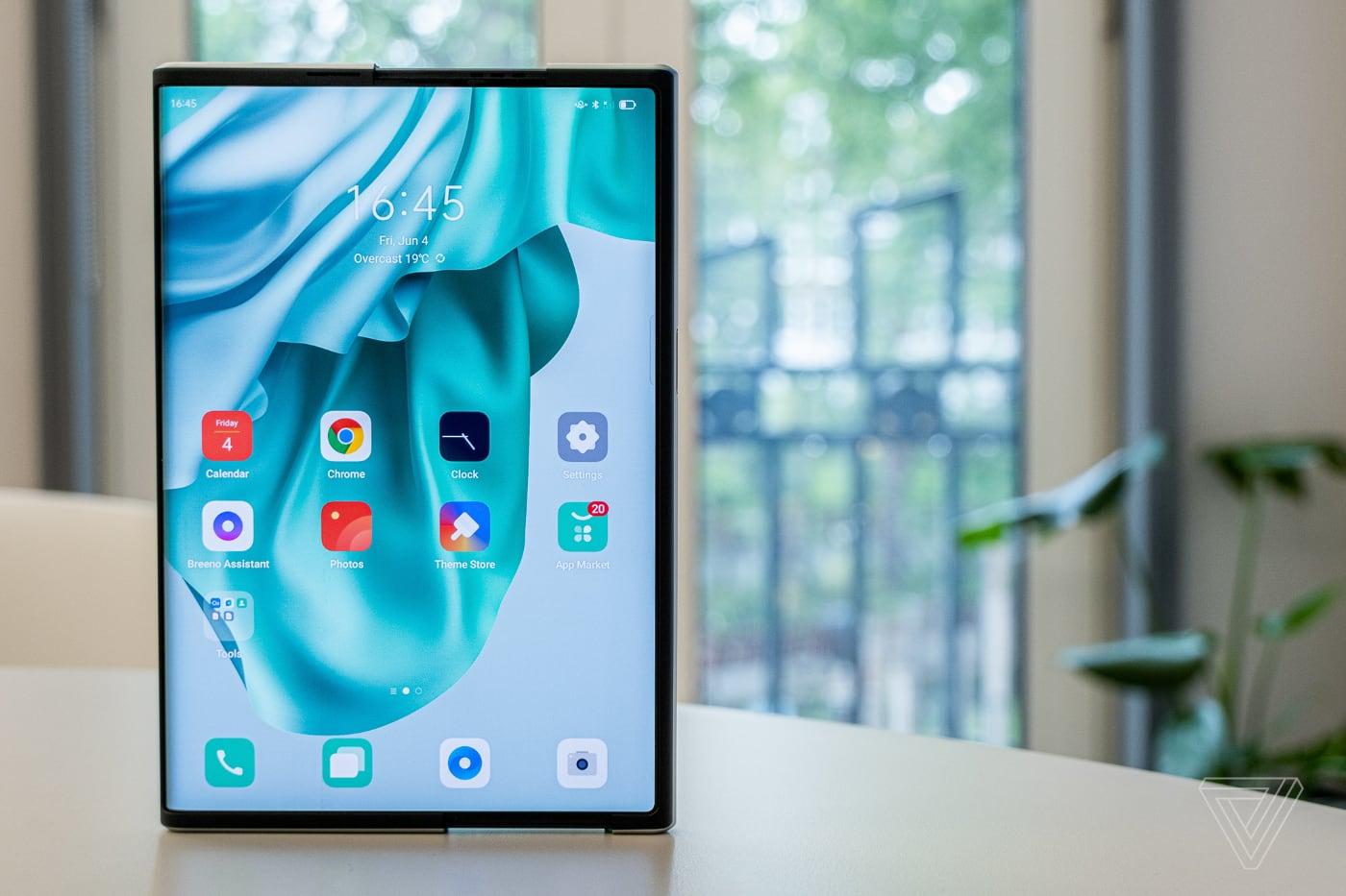 Появился первый обзор смартфона Oppo X 2021 с раздвижным экраном
