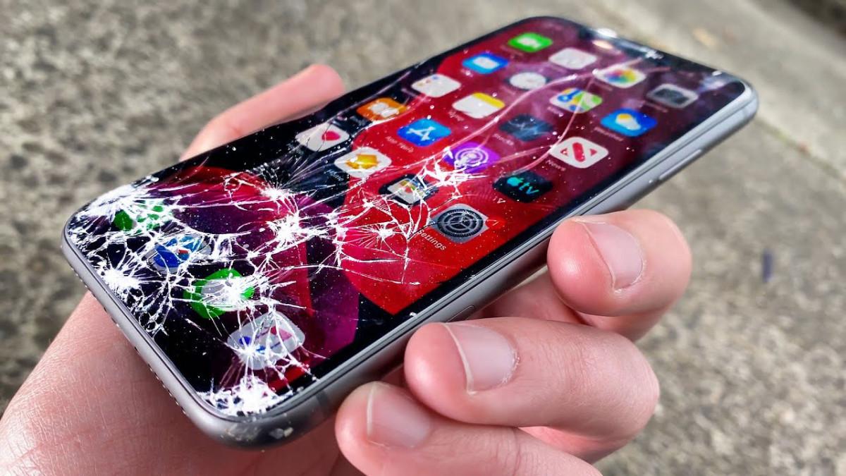 Как жить с разбитым экраном iPhone. 10 проблем, которые неизбежны