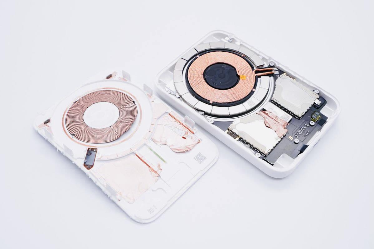 Внешний аккумулятор MagSafe Battery Pack уже разобрали. Что внутри