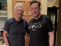 Илон Маск купил билет на ракетоплан Virgin Galactic. Вчера на нем летал миллиардер Ричард Брэнсон