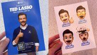 В Apple Store раздают стикеры с Тедом Лассо перед началом второго сезона