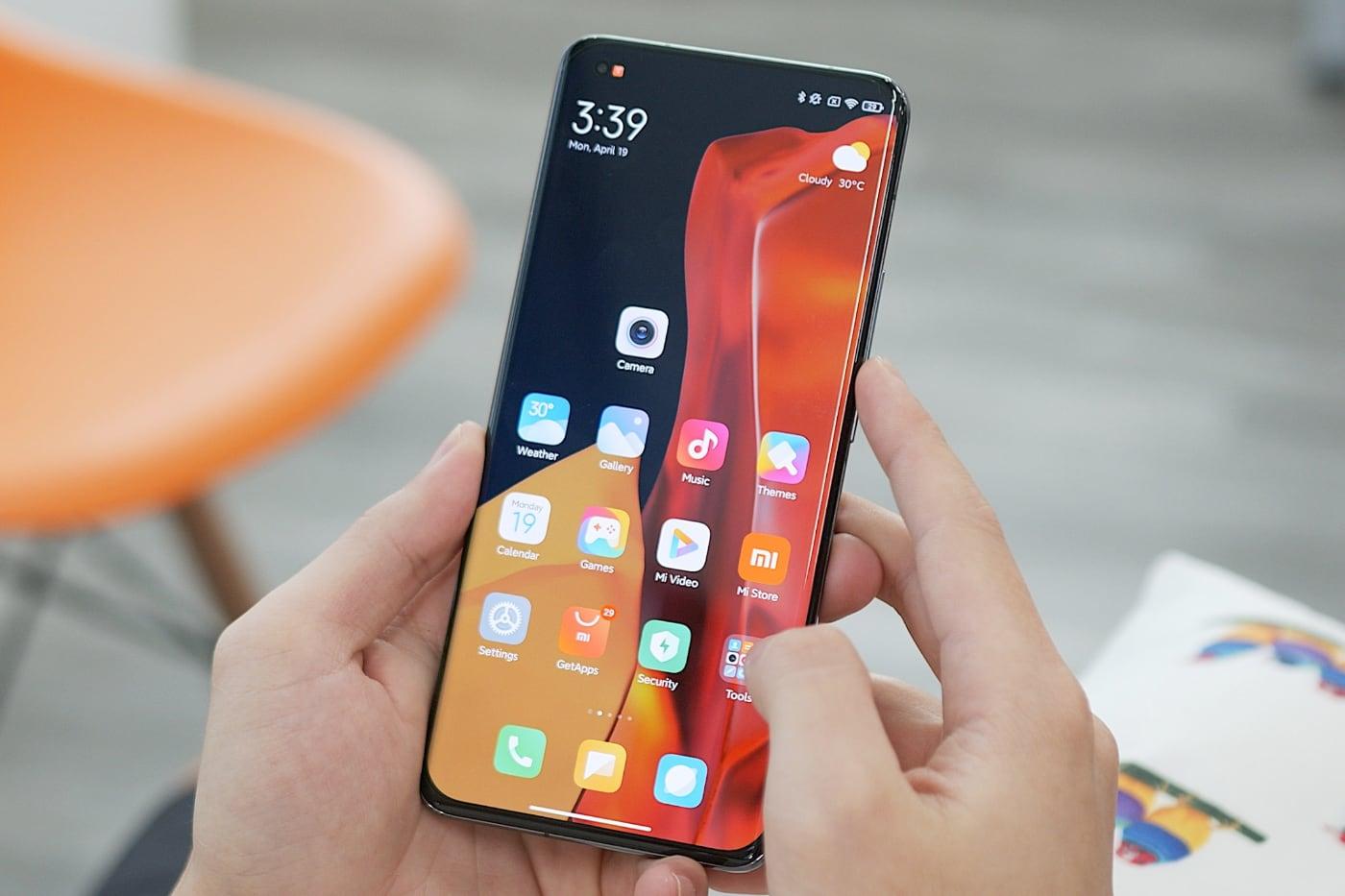 Xiaomi впервые заняла первое место по продажам смартфонов в России