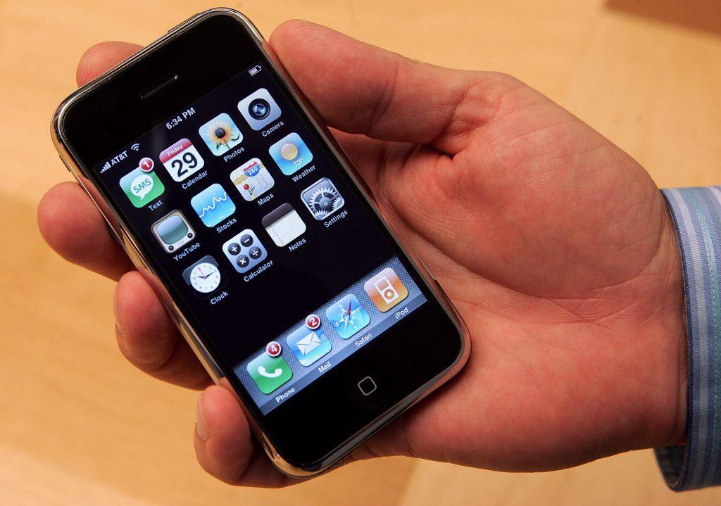 Как Apple создавала экранную клавиатуру для первого iPhone. Был даже вариант с азбукой Морзе