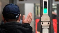 С 15 октября в метро Москвы разрешат платить лицом на всех станциях