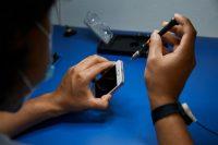 Германия хочет, чтобы Apple ремонтировала и обновляла айфоны семь лет после начала продаж
