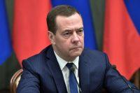 Медведев про вмешательство IT-компаний в выборы: «это не только погрозить пальчиком, им могут запретить деятельность»