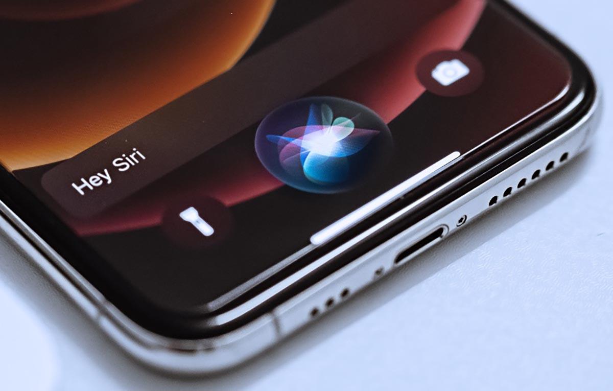 3 полезные возможности Siri, которые улучшат жизнь с iPhone. Например, найти все девайсы дома